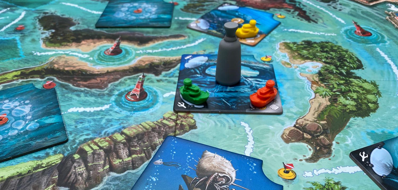 Deep-Blue-Board-Dive-Site
